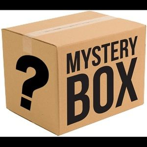 MYSTERY BOX | 10 Piece Women's Clothing